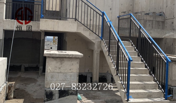 空港俊发城3号地块栏杆制作安装